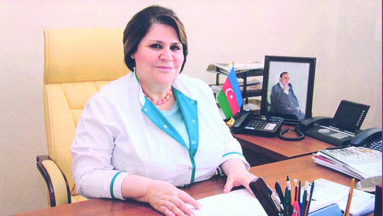 Mərkəzi Neftçilər Xəstəxanasının baş direktoru Leyla Seyidbəyova vəzifəsini şərəflə yerinə yetirir